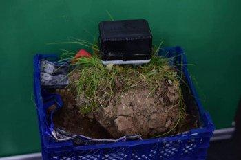 Czujnik stanu gleby DIY, który jest zasilany fotosyntezą?